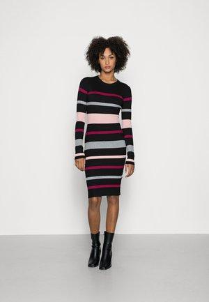 REGULAR FIT STRIPES DRESS - Robe pull - black/red/pink
