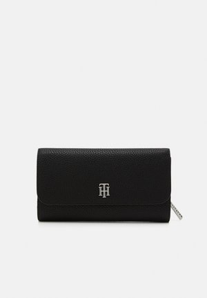 ESSENCE LARGE FLAP - Wallet - black