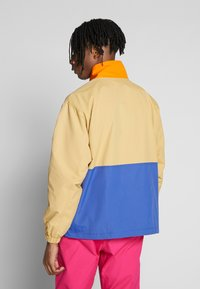 Obey Clothing - THE TUCKER ANORAK - Kurtka wiosenna - almond multi - 2