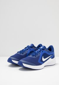 Nike Performance - DOWNSHIFTER - Neutral running shoes - deep royal blue/white/hyper blue - 3