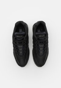 Nike Sportswear - AIR MAX 95 ESSENTIAL - Tenisky - black/dark grey - 3