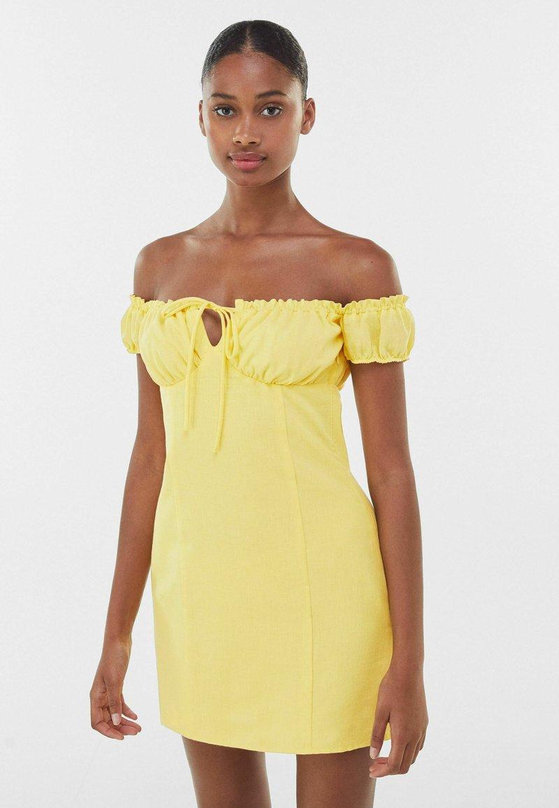 Bershka - Day dress - yellow