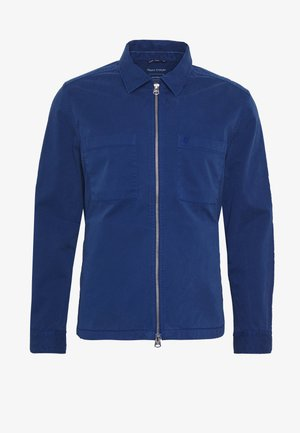 LONG SLEEVE TWO PATCHED CHEST AND SIDE SEAM POCKETS - Kevyt takki - estate blue