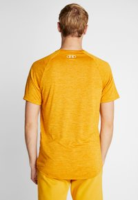 Under Armour - HEATGEAR TECH  - Camiseta estampada - golden yellow/white - 1