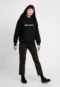 Carhartt WIP - HOODED - Hoodie - black / white - 1
