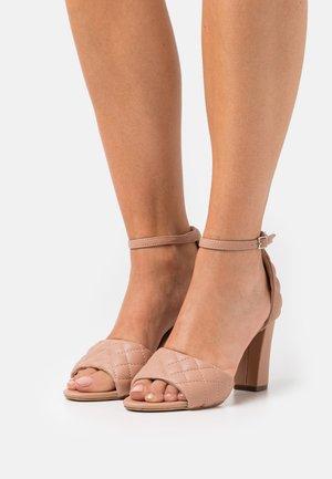BLENND - High Heel Sandalette - caramel paris