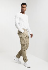 G-Star - ROVIC ZIP 3D STRAIGHT TAPERED - Cargo trousers - dune - 1