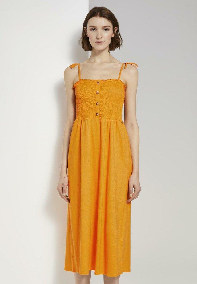 MIT RAFFUNGEN - Jersey dress - orange yellow
