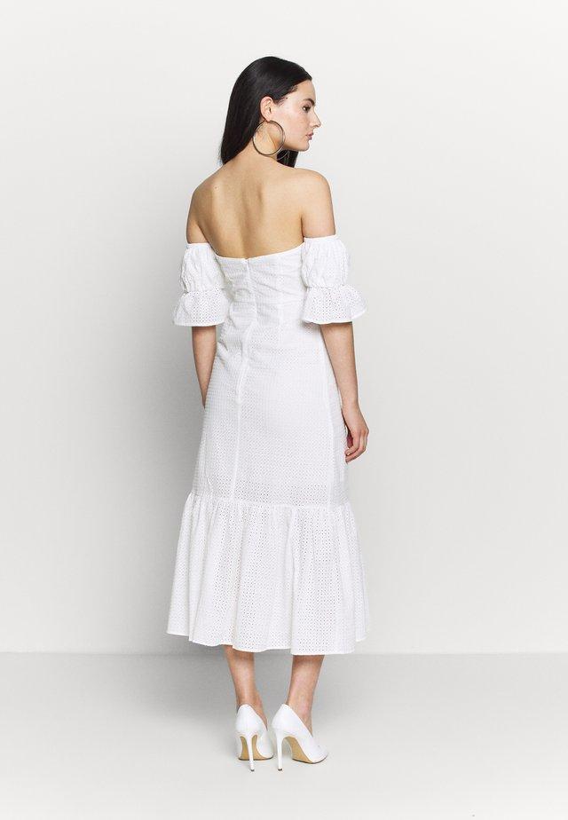 TEXTURED MINI DRESS - Kjole - whiite