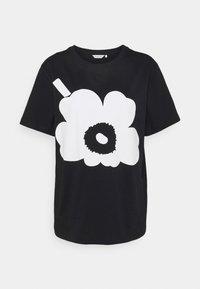 Marimekko - KIOSKI HIEKKA UNIKKO PLACEMENT T-SHIRT - T-shirt z nadrukiem - black/off white - 3