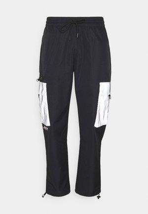 FAME - Pantalon cargo - black
