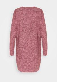 Vero Moda Tall - VMDOFFY O NECK DRESS - Pletené šaty - cabernet - 1