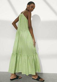 Massimo Dutti - MIT VICHYKAROS - Maxi dress - green - 1