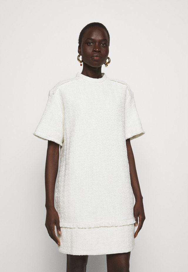 TEXTURED DRESS - Korte jurk - white