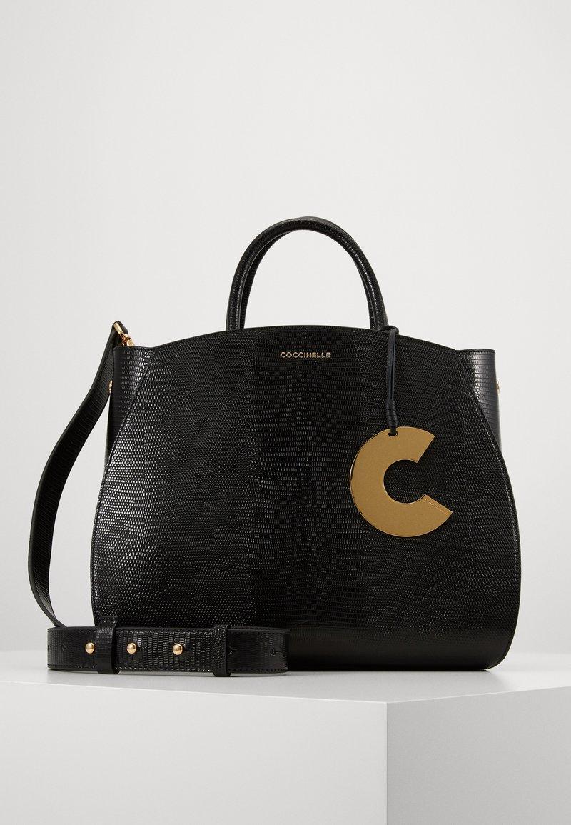 Coccinelle - CONCRETE LIZARD - Handbag - noir