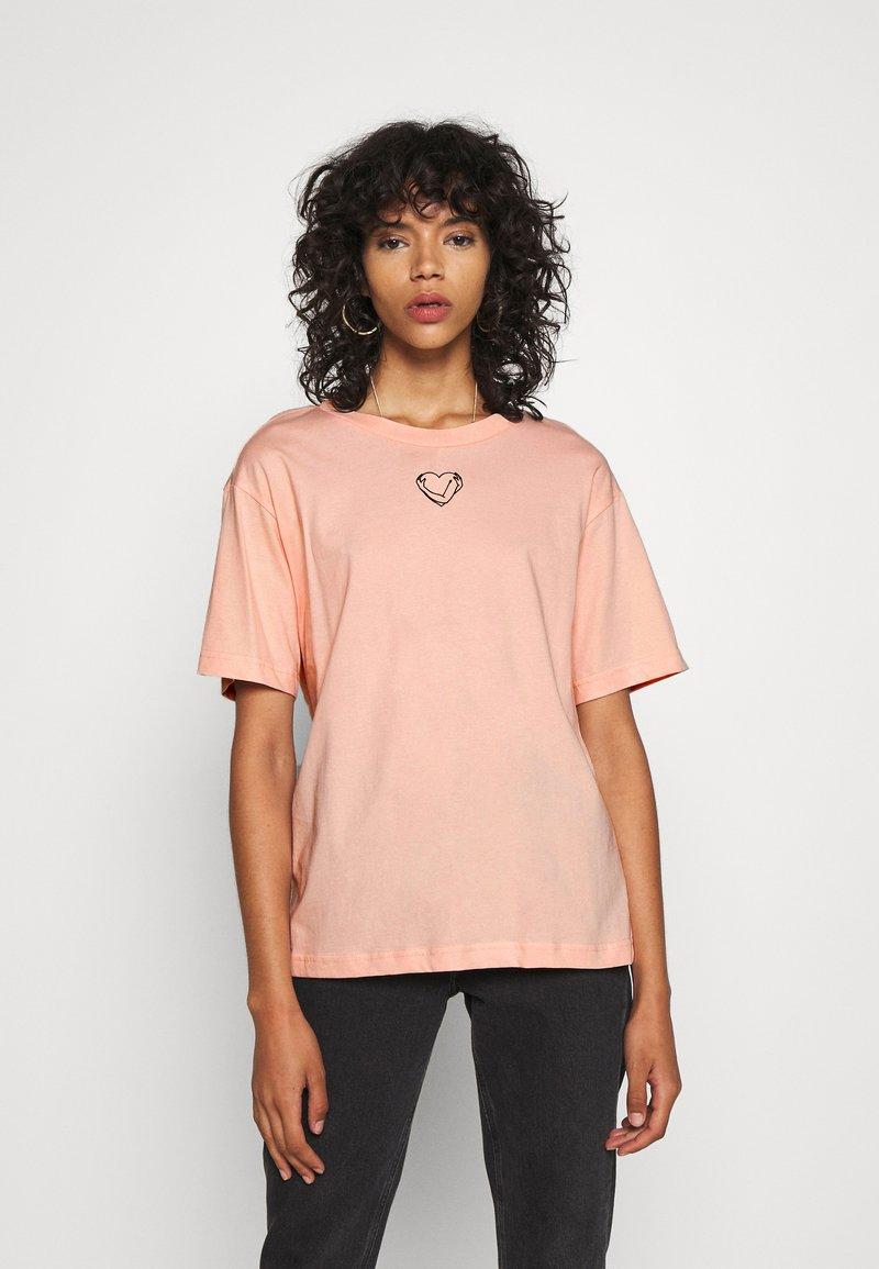 Monki - TOVI TEE - Print T-shirt - orange dusty light