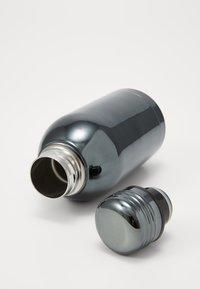 TYPO - MINI DRINK BOTTLE - Annet - grey electroplate - 1