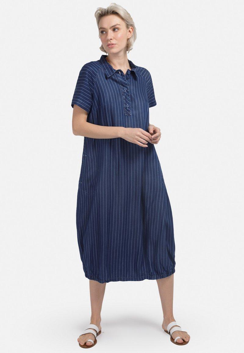 HELMIDGE - MIT POLO-KRAGEN - Denim dress - blau