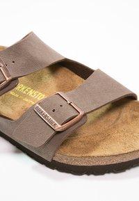 Birkenstock - ARIZONA - Pantofle - mocca - 5