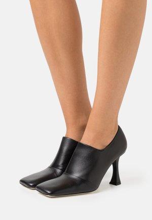 AURORA  - Kotníková obuv na vysokém podpatku - nero