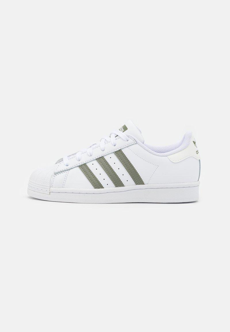 adidas Originals - SUPERSTAR UNISEX - Sneakers - footwear white/legacy green/offwhite