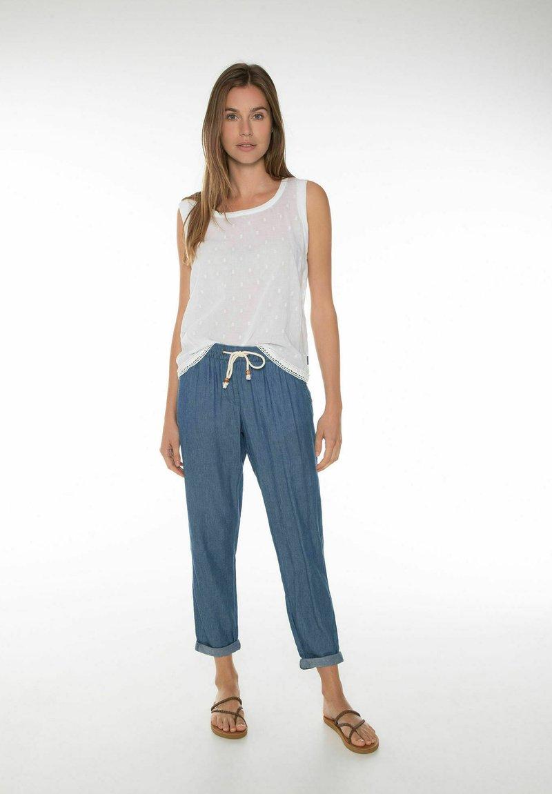 Protest - FOSTER - Straight leg jeans - sky denim