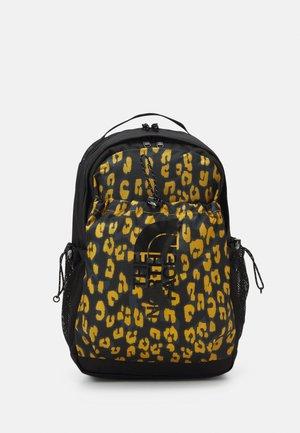 BOZER BACKPACK UNISEX - Reppu - arrowwood yellow/black