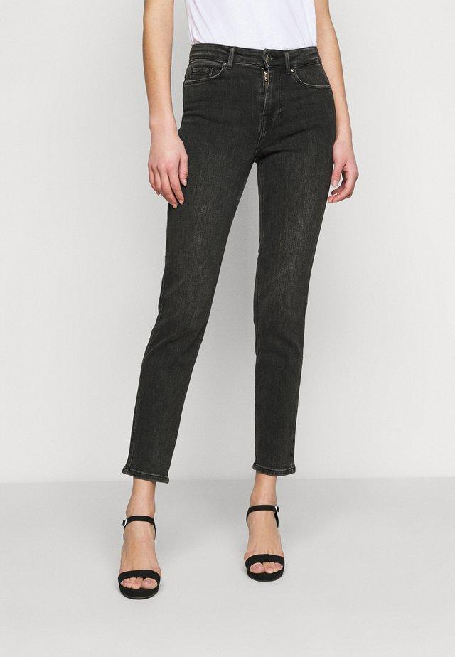 PCLILI SLIM  - Jeans Skinny Fit - black denim