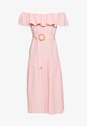 BARDOT TIERED SMOCK MIDI DRESS - Hverdagskjoler - blush