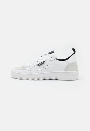 CROONER  - Zapatillas - white