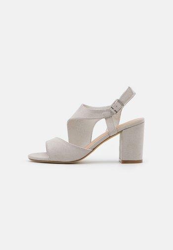 Sandaler - grey