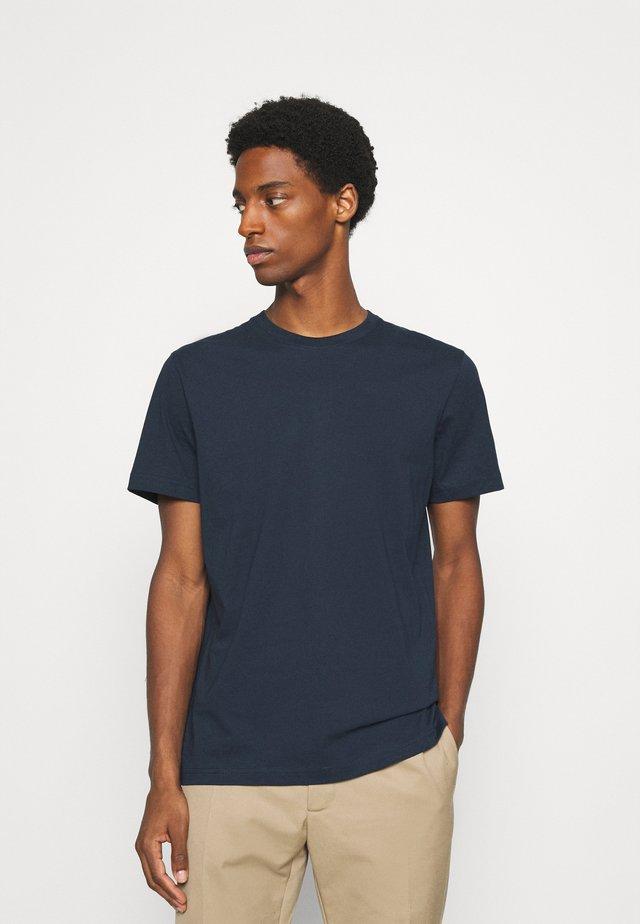 SLHNORMAN O NECK TEE  - Basic T-shirt - navy blazer
