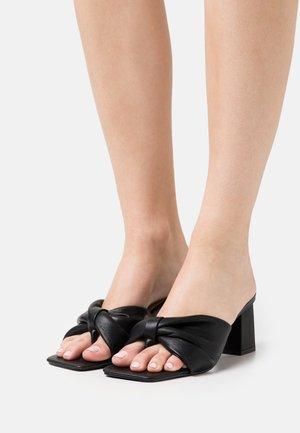 WIDE FIT KYOTO - T-bar sandals - black