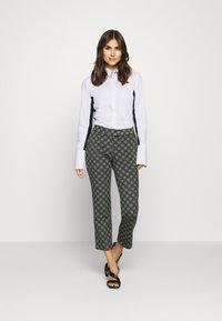 van Laack - MONICA - Button-down blouse - weiß/blau - 1