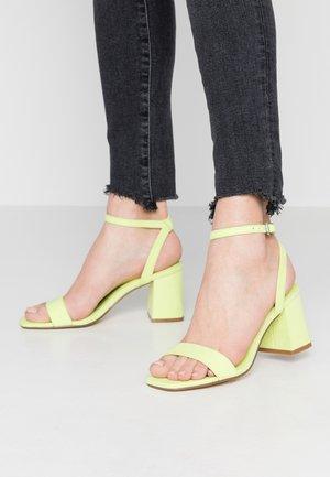 MILLIONS - Sandals - lime