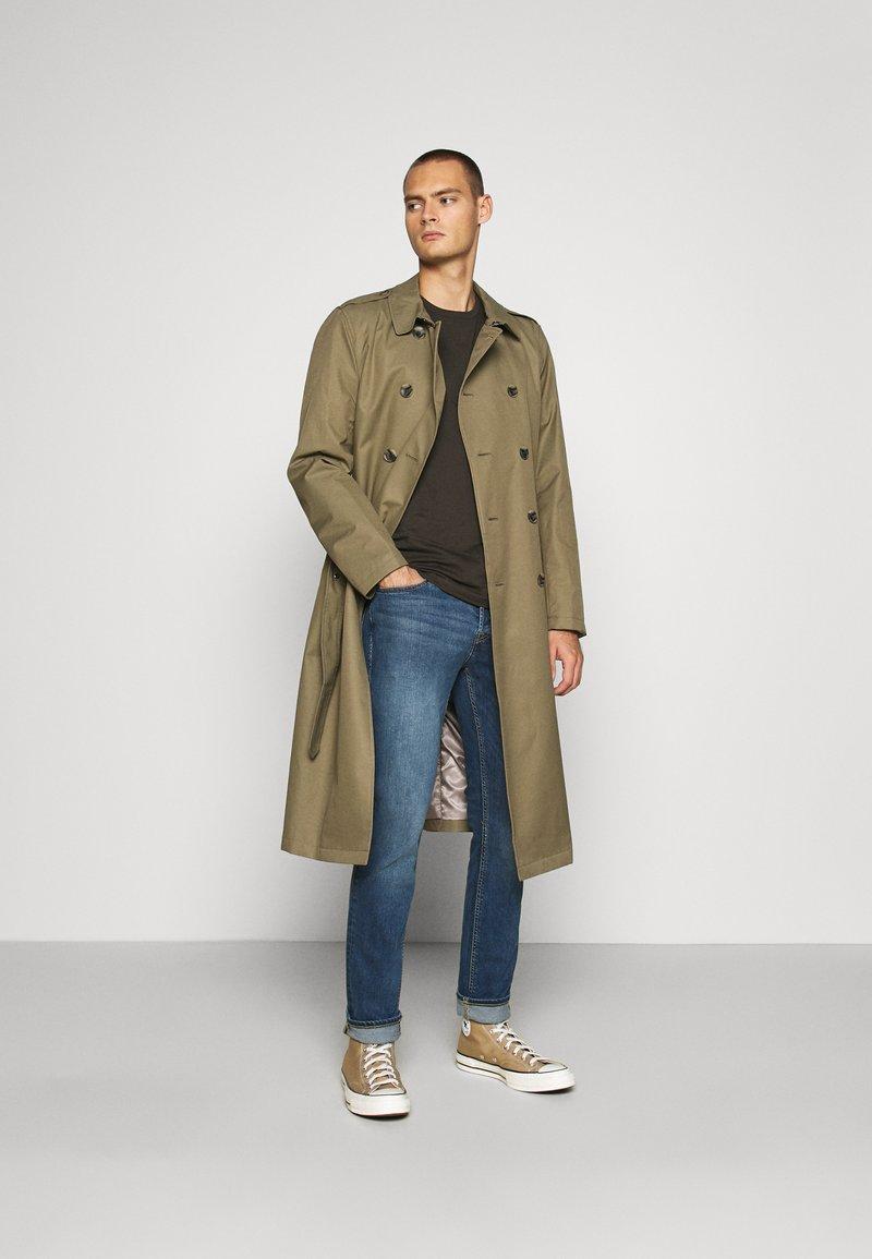 Burton Menswear London - SHORT SLEEVE CREW 10 PACK - T-shirt basic - charcole/navy