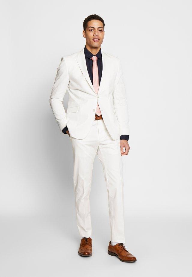 ARON MASER - Oblek - white