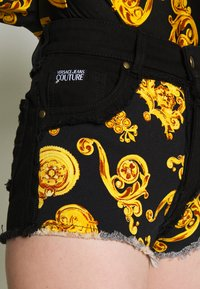 Versace Jeans Couture - Shorts - black - 5