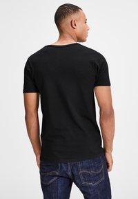 Jack & Jones - 3 PACK V-NECK - Basic T-shirt - grey/blue/black - 1