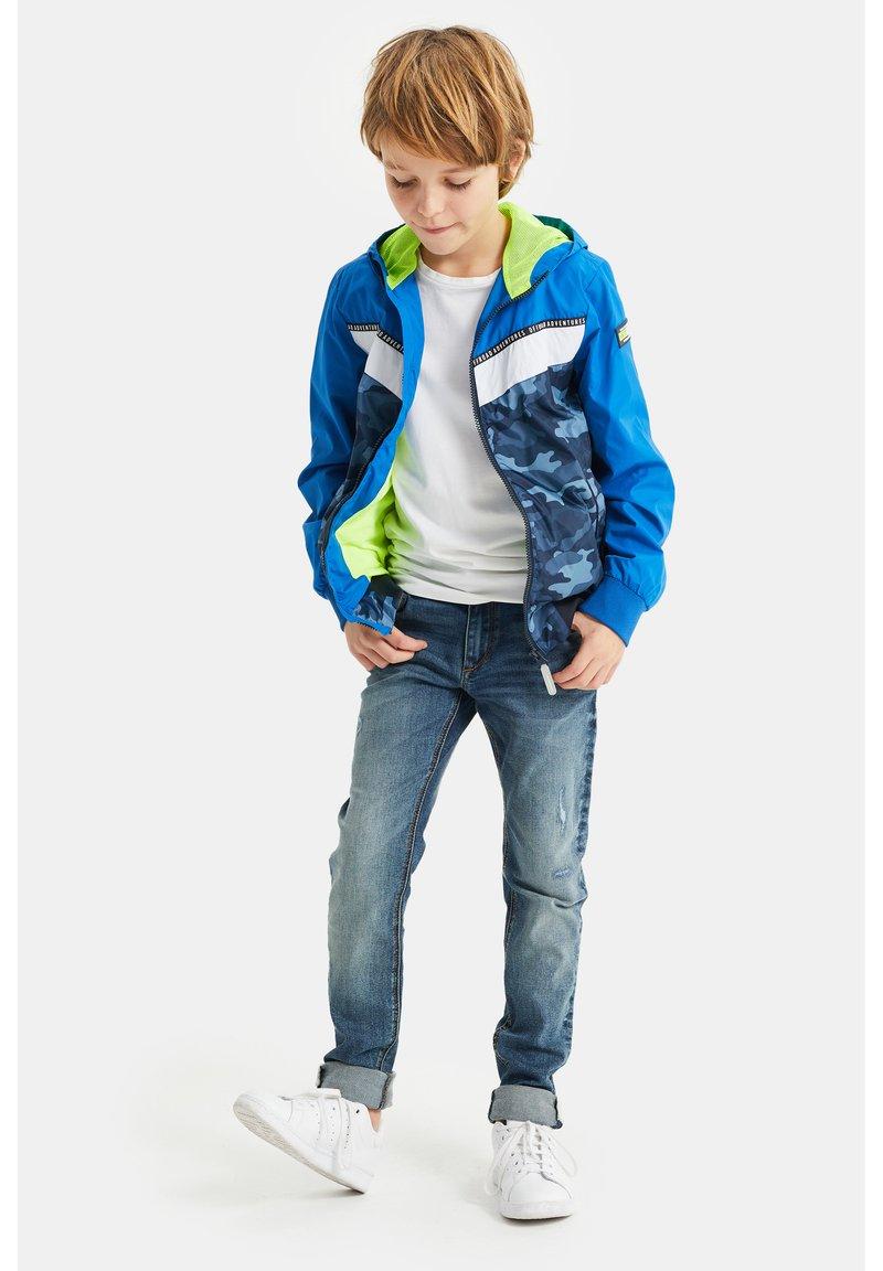 WE Fashion - Overgangsjakker - bright blue