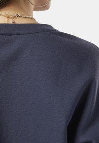 Reebok - TRAINING ESSENTIALS LOGO CREW SWEATSHIRT - Sweatshirt - heritage navy - 3