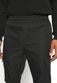 Samsøe Samsøe - SMITHY TROUSERS - Cargo trousers - black - 5