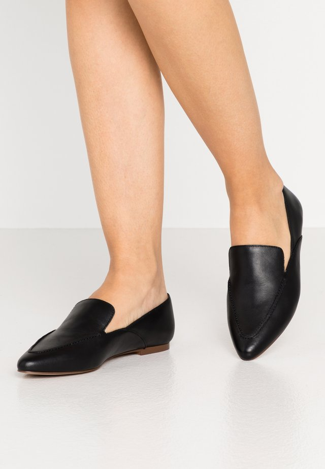 IAN SOFT LOAFER - Półbuty wsuwane - true black