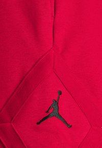 Jordan - JUMPMAN DIAMOND - Shorts - gym red - 5