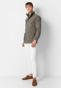 Scalpers - Leichte Jacke - khaki - 1