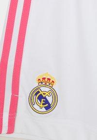adidas Performance - REAL MADRID AEROREADY FOOTBALL SHORTS UNISEX - Sports shorts - white - 2