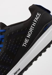 The North Face - M ULTRA SWIFT - Löparskor terräng - black/blue - 5
