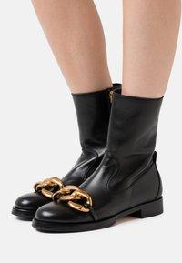 N°21 - BOOTS - Støvletter - black - 0