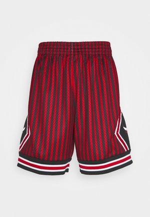 NBA CHICAGO BULLS STRIPED SWINGMAN SHORT - Pantalón corto de deporte - red