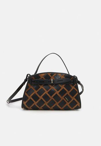 MARGHERITA M TOP HANDLE - Handbag - cognac/nero